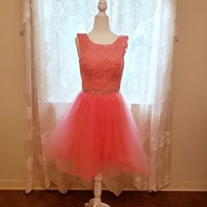 Dresses & Skirts - Formal/Bridesmaid's/HoCo Dress with Tulle Skirt